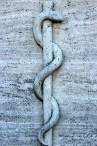 caducée sculpture